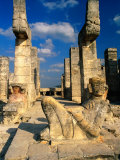 Chac Mool with Serpent Columns, Portico of Temple of the Warriors, Chichen Itza, Yucatan, Mexico Photographie par Barnett Ross