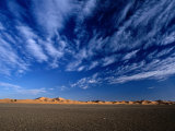 Erg Chebbi, on Edge of the Sahara Desert, Merzouga and the Dunes, Er-Rachidia, Morocco Fotografie-Druck von Mark Daffey