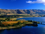 Lake Dunstan with the Pisa Mountain Range in the Background, Cromwell, Otago, New Zealand Photographic Print by David Wall