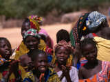 Local Village Children Colourfully Attired on Niger River, Mali Fotografisk tryk af Patrick Syder