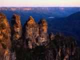 Three Sisters Rock Formation Katoomba, New South Wales, Australia Photographic Print by Glenn Beanland