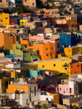 Steep Hill with Colorful Houses, Guanajuato, Mexico Fotografisk tryk af Julie Eggers