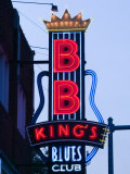 Signs for BB King's Club, Beale Street Entertainment Area, Memphis, Tennessee, USA Lmina fotogrfica por Walter Bibikow