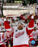 Kris Draper with the Stanley Cup, Game 6 of the 2008 NHL Stanley Cup Finalsl; 33 Photo