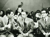 Frank Sinatra (M), Joey Bishop and Peter Sellers (R) at the Rally for Isreal at the Hollywood Bowl Fotografisk tryk