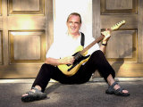 Status Quo Francis Rossi Practises with One of His Favourite Guitars at His Home in Surrey, 2002 Fotografisk tryk