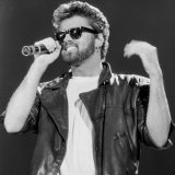 George Michael on Stage at Live Aid Concert, Wembley Stadium, 1985 Fotografisk tryk