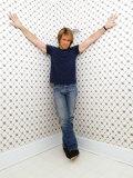 Den amerikanske rockstjerne Jon Bon Jovi i sit hjem i New Jersey, New York, marts 2004 Fotografisk tryk