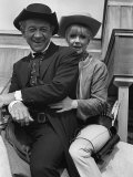 Angela Douglas and Sid James, Film Carry on Cowboy Fotografie-Druck