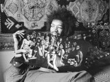 Jimi Hendrix in London at His Mayfair Flat Once the Residence of George Frederick Handel, 1969 Photographie