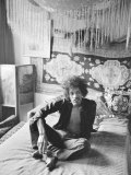 Jimi Hendrix in London at His Mayfair Flat Once the Residence of George Frederick Handel, 1969 Fotoprint