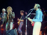 The Who in Concert at Royal Albert Hall, Roger Daltry and John Entwhistle on Stage, October 1989 Fotografiskt tryck