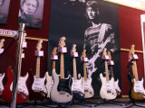 Eric Clapton Guitar Legend at the Launch of the Auction of His Guitars, June 1999 Fotografie-Druck