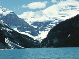 Mountain Lake with Snow-Capped Mountains - Rockies, Lake Louise Lámina fotográfica
