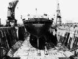 Queen Elizabeth II in Dry Dock at Southampton Photographic Print