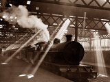 Steam Train Leaving Euston Station, April 1928 Reproduction photographique