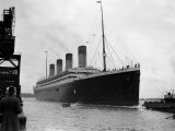 The RMS Olympic Sister Ship to the Titanic Arriving at Southampton Docks, 1925 Fotografiskt tryck