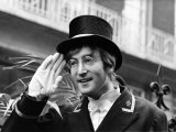 John Lennon Playing the Part of a Commissionaire in the TV Programme Not Only But Also, 1966 Fotografie-Druck