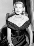 Grace Kelly pendant une interview avec le Daily Mirror au Festival de Cannes 1955 Photographie
