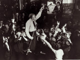 Jerry Lee Lewis, Performing on Stage, Surrounded by Fans, Singing Fotografie-Druck
