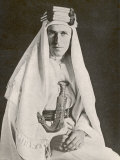 T E Lawrence (Lawrence of Arabia) in Desert Robes Lmina fotogrfica