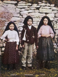 The Three Children Jacinta Francisco and Lucia Who Saw the Vision of Fatima in Portugal Lámina fotográfica