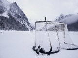 Equipo de hockey sobre hielo en el lago Louise, Alberta Lmina fotogrfica