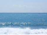 Ocean Waves Crashing onto the Beach Reprodukcja zdjęcia