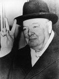 "Winston Churchill in Later Life Making His Famous Wartime ""V for Victory"" Sign Photographic Print"