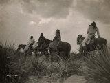 Avant la tempête, indiens apaches Photographie par Edward S. Curtis