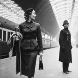 Toni Frissell - Victoria Station, London Photo