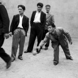 Men Playing Bocce in San Giovanni in Fiore Fotografisk tryk