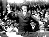 President Woodrow Wilson Throwing Out the First Ball, Opening Day, 1916 Foto