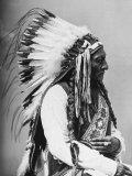 Porträtt av en amerikansk indianhövding Fotografiskt tryck