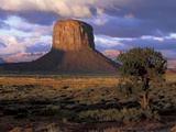 Morning Light, Monument Valley, Utah, USA Photographic Print by Joanne Wells