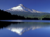 Mt. Hood Reflected in Trillium Lake, Oregon, USA Fotografisk tryk af Jamie & Judy Wild
