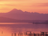 Mt. Baker and Puget Sound at Dawn, Anacortes, Washington, USA Stampa fotografica di William Sutton