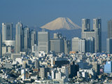 Mount Fuji and City Skyline, Tokyo, Honshu, Japan Reproduction photographique