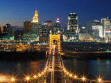 View From John A Roebling Bridge Between Cincinnati, Ohio and Covington, Kentucky, USA Lámina fotográfica por Adam Jones