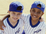 Portrait of Two Boys From a Little League Baseball Team Fotografie-Druck