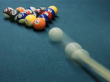 Cue Ball Rolling Towards Racked Billiard Balls Lámina fotográfica