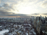 The Sun Rises Over Snow-Covered Central Park and Midtown Manhattan Fotografie-Druck