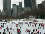 Hundreds of Ice Skaters Crowd Wollman Rink Fotografisk tryk
