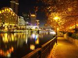 Southbank, Yarra River, and Flinders Walk, Melbourne, Victoria, Australia Fotografisk tryk af David Wall