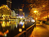 Southbank, Yarra River, and Flinders Walk, Melbourne, Victoria, Australia Lámina fotográfica por David Wall