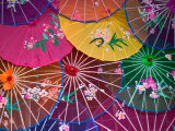 Colorful Silk Umbrellas, China Photographie par Keren Su
