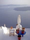 View of Water, Santorini, Greece Photographie par Connie Ricca