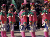 Children's Performance Celebrating Chinese New Year, Beijing, China Lámina fotográfica por Keren Su