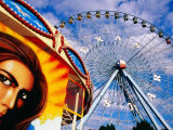 Ferris Wheel and Fairground Ride, Texas State Fair, Fair Park, Dallas, United States of America Fotografisk tryk af Richard Cummins