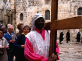 Christian Pilgrims in Easter Procession, Jerusalem, Israel Fotografisk tryk af Michael Coyne